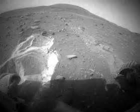 Mars' Spirit Rover stuck in the mud as Nasa works on ...