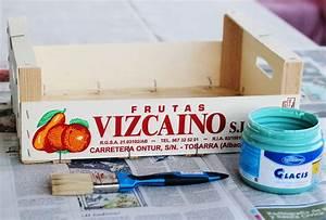 De caja de frutas a estantería (DIY) - Con botas de agua