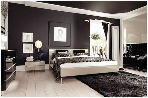 Modern Bedroom Arrangement Ideas With Brown Wall Paint