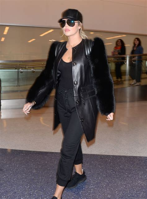 Khloe Kardashian Arriving at Los Angeles Airport, March ...