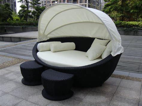 posto letto per ricoveri giornalieri con il tavolino da