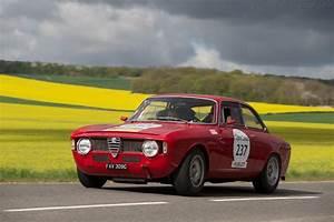Alfa Romeo Dijon : alfa romeo giulia 1600 gta chassis ar613472 driver zak brown robert kaufmann 2014 tour ~ Gottalentnigeria.com Avis de Voitures