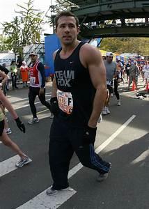 Ryan Reynolds runs the NYC Marathon…   Out in Hollywood