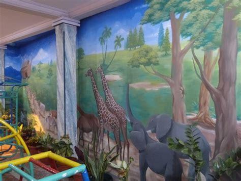 bahasa mural lukisan dinding animasi kartun