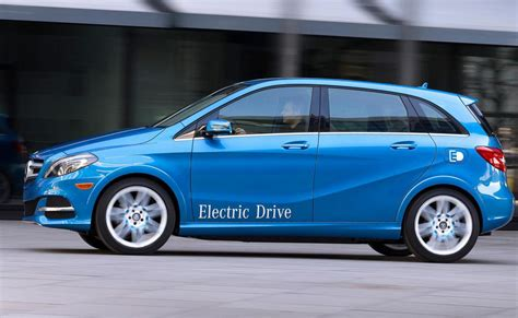 It has a navigation screen in the middle with phone set on its right. Mercedes B-Class Electric Drive Photos and Specs. Photo: B-Class Electric Drive Mercedes used ...