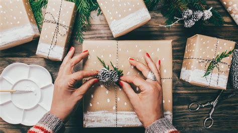 wrap  present   standard gift box