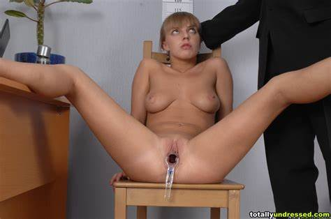 Completely Vid At Badlittlegrrl Dildos And Speculum Inserted In A Job Lips