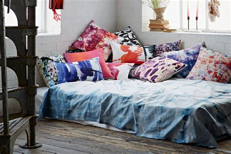 mattress on the floor ideas 9 portable floor bed ideas for small spaces
