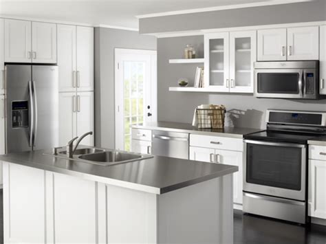 kitchen collection whirlpool at lowe 39 s kitchen collections