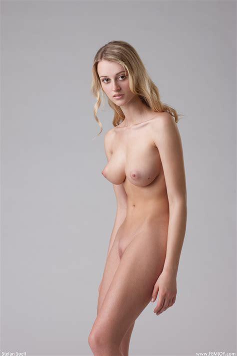 Naked Carisha Maja In Gorgeous