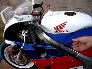 Honda Rc 30 : honda rc30 vfr750r motorcycle youtube ~ Melissatoandfro.com Idées de Décoration