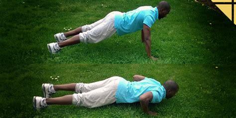 se muscler les pectoraux 224 la maison top 3 des exercices pour homme et femme le coin forme