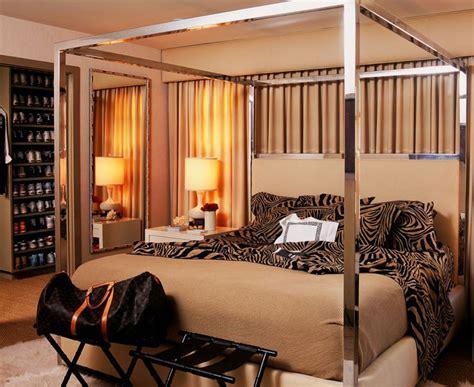 Home Interior Leopard Picture : Bedroom Design Animal Print