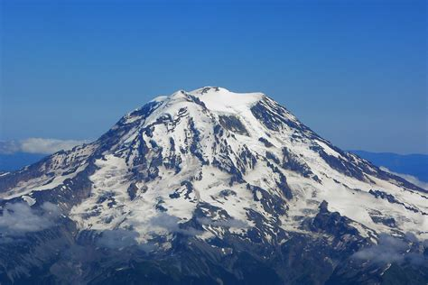Mnt Stands For by Six Climbers On Mount Rainier Believed To Be Dead