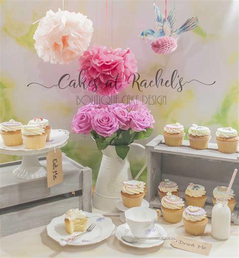 Alice in wonderland cupcake recipe. Alice in Wonderland themed cupcakes