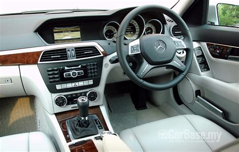 Learn more about price, engine type, mpg, and complete safety and warranty information. Mercedes-Benz C-Class W204 Facelift (2011) Interior Image #8538 in Malaysia - Reviews, Specs ...