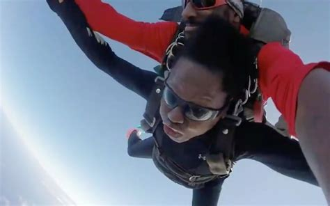 Viola Davis Faces Her Fears As She Jumps Out Of A Plane At ...