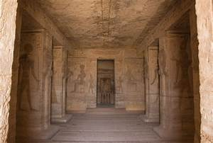 Image Gallery inside egyptian temples