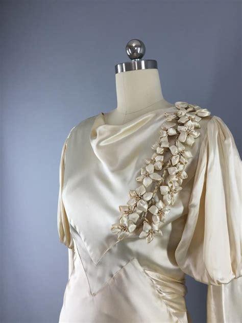 vintage bias cut ivory satin bridal gown wedding