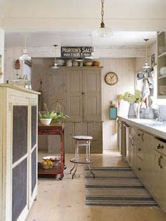 how to paint kitchen cabinets with a glaze 1000 images about chalk paint on sloan 9924
