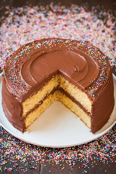 yellow cake with chocolate icing yellow cake with chocolate buttercream frosting cooking 1513