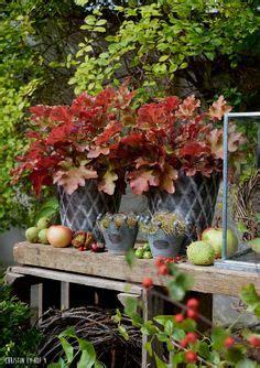 Weihnachtsdeko Auf Dem Gartentisch by Dekoger 252 Mpel Herbstdekoration Auf Dem Gartentisch