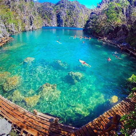 Kayangan Lake Coron Philippines A Lake In The Middle Of