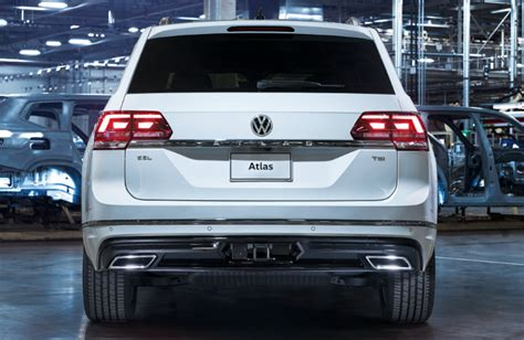 volkswagen atlas white 2018 volkswagen atlas r line package features