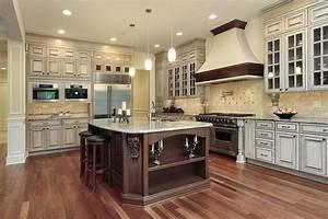 cream colored kitchen cabinets 2054