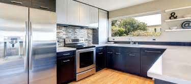 what s hot and what s not in 2017 kitchen trends