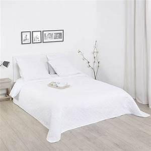 Dessus De Lit Blanc : ensemble dessus de lit 2 taies d 39 oreiller rosace blanc ~ Teatrodelosmanantiales.com Idées de Décoration