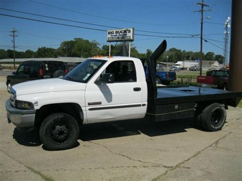 2000 DODGE 2500 Flat Bed Truck For Sale in Baton Rouge