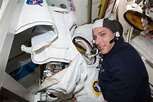 Astronaut Mike Hopkins Checks Out Spacesuit | NASA