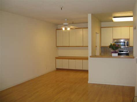 15 Empty Studio Apartments