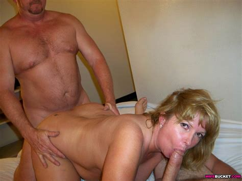 wifebucket real amateur milfs and wives swingers too