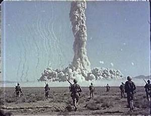 Atomic Bomb Explosion GIF - Find & Share on GIPHY