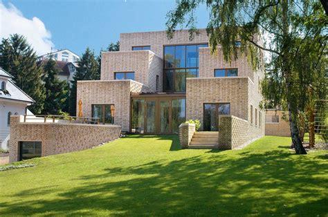 Mehrgenerationenvilla Am See  Moderne Einfamilienhäuser