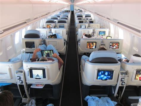 la compagnie business class to newark review one mile at a time