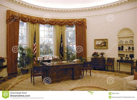 reproduction du bureau d ovale de la maison blanche photo stock 233 ditorial image 26274158