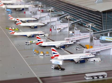 040400 Lhr 'terminal 5a'  No Point Airport Diorama