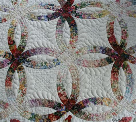 wedding ring quilt i like the colors wedding