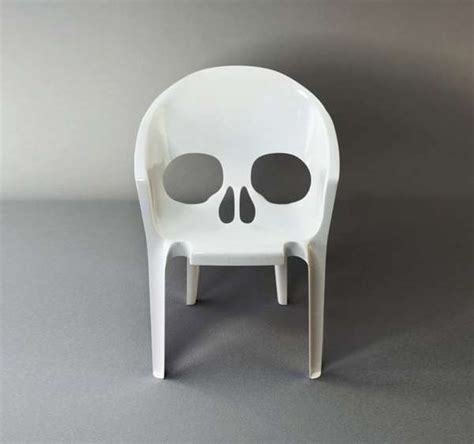 scary skull seating remember   die chair