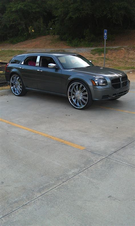 yungblood  dodge magnumse sport wagon  specs