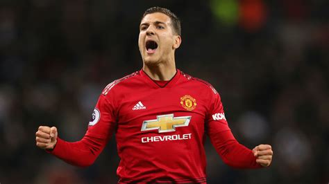 Dalot has unfinished business at Man Utd & intends to ...