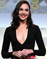 File:Gal Gadot by Gage Skidmore 2.jpg - Wikimedia Commons
