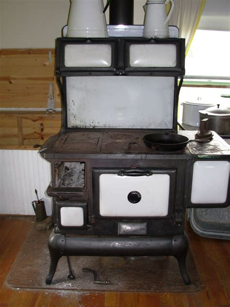 wood stove with cooktop wood stove s bees