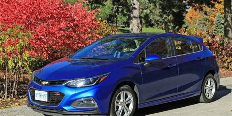 Car Review 2017 Chevrolet Cruze Lt Hatchback Driving