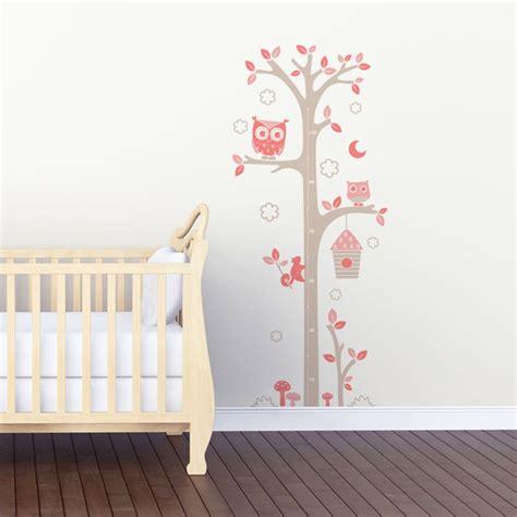 la cuisine de bébé sticker mural quot toise chouettes gris et quot motif bébé
