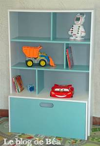 Etagere Chambre Enfant : diy tag re pour chambre d 39 enfant et coffre jouets le blog de b a ~ Teatrodelosmanantiales.com Idées de Décoration