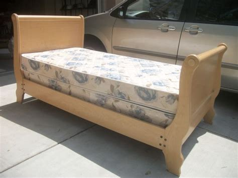 Beds For Sale Craigslist by Sleigh Bed 175 Craigslist